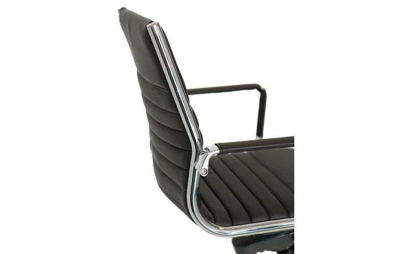 ES Swivel Upholstery & arm detail